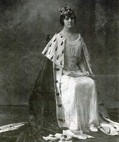 Reina carnaval 1915 María Ester Arango