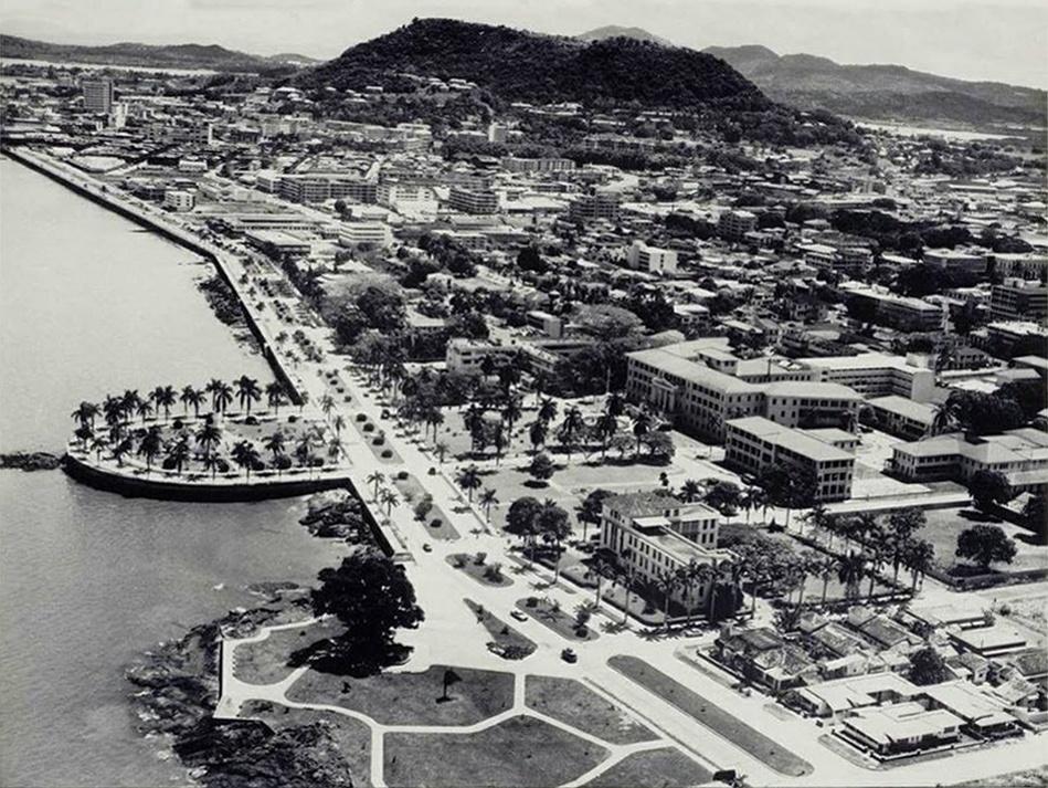 Panama Vieja Escuela - Avenida Balboa - avenida-balboa-6