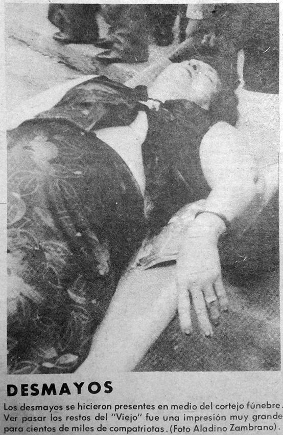 señora desmayo funera omar torrijos 1981