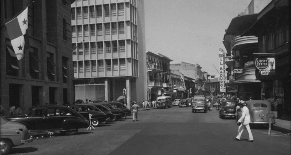 Avenida Central en 1950.