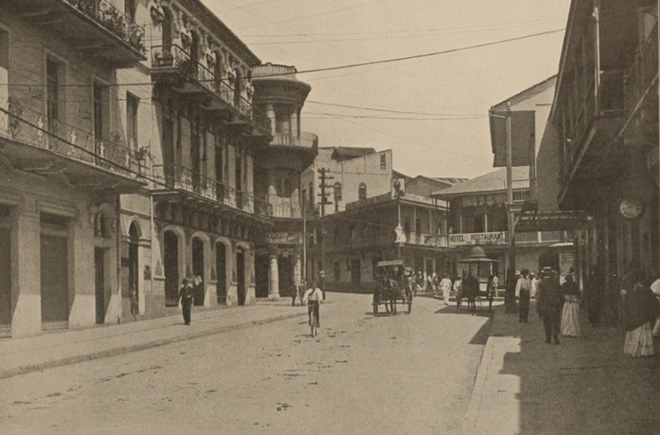 Avenida Central y Calle 11 Este 1910.