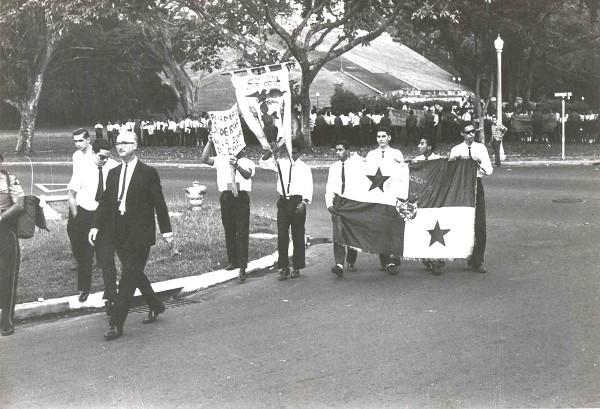 Panam-Vieja-Escuela-estudiantes-marchan-a-balboa-high-school-4-31