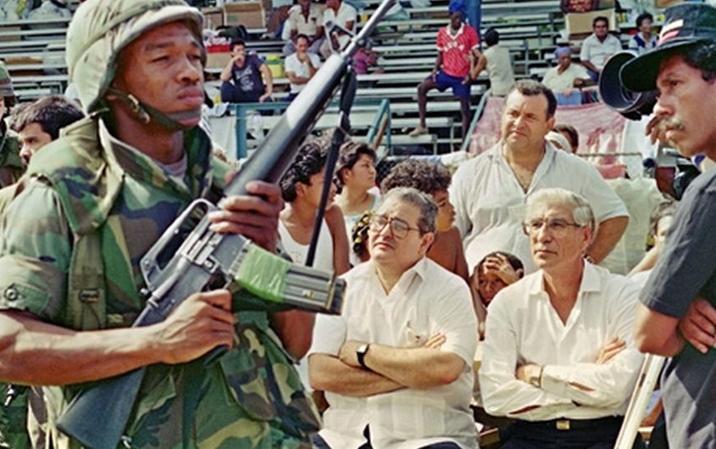 Soldados-presidente-Panama-Guillermo-endara