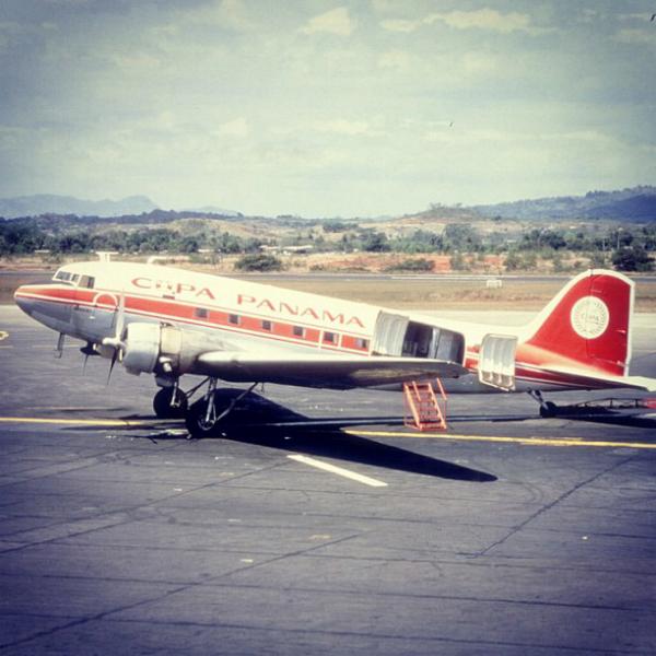 Douglas DC-3 C-47 primer avion de copa desde 1947 hasta 1980