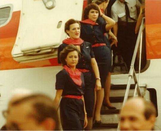 uniforme azafata años 80