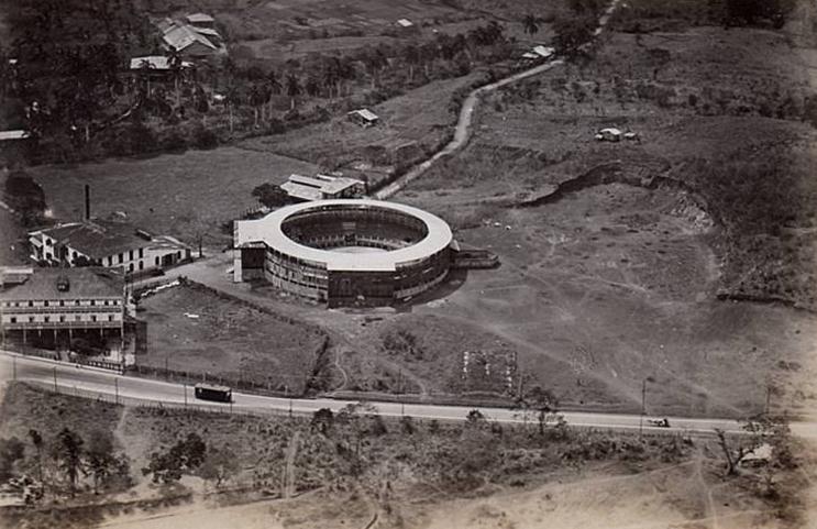 Plaza de toros Vista Alegre, año 1923.
