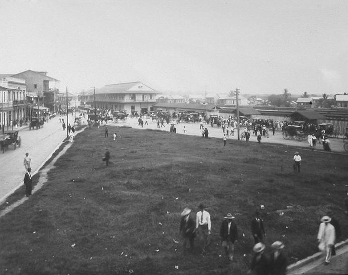 area de la plaza 5 de mayo enero 1910