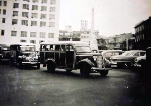 chiva plaza 5 de mayo año 1954