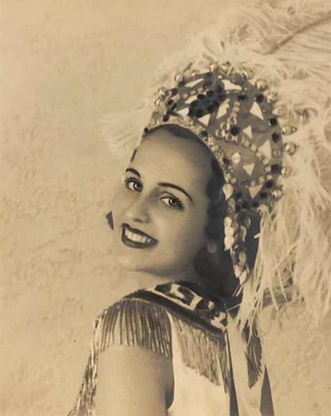 Delia Diez reina carnaval 1940