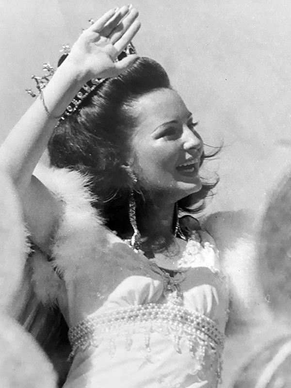 Estrella Endara reina carnaval 1974