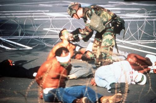 operacion causa justa 13 - prisioneros invasion