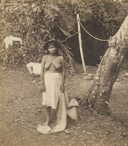 personajes 1875 panama native women