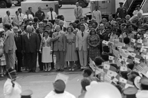 tratados torrijos carter - jimmy carter y torrijos en aeropuerto panama 1978 (1) (1)